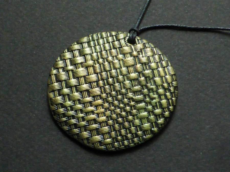 Textilmintás medál